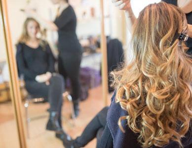 Esthéticienne-coiffeuse